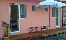 Делнична ваканция в Бургас (кв. Крайморие) - самостоятелни стаи Бряста. Нощувка, обяд и вечеря за двама