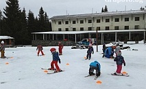 Нощувка, закуска, вечеря + карта за ски влек от хижа Звездица, природен парк Витоша