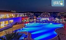 Нова година в Белек, Турция! 5 нощувка на база All Inclusive и Новогодишна вечеря в River Garden HV1 5* и транспорт от Турс Клуб!