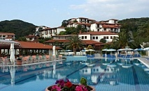 Специално предложение за почивка през м. Май: 5 или 7 нощувки на база закуска и вечеря или база All Inclusive в хотел Aristoteles Holiday Resort & SPA 4* само за 142 лв
