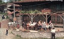 Къща с камина, барбекю и много удобства за 8 човека с включена закуска на цени от 200 лв. до 240 лв. - Кафеджийницата с. Ичера, до Сливен!