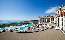 Лайтхаус Голф СПА хотел 5*, за ТРИ нощувки със закуска на човек, на частен плаж с бар и със спираща дъха гледка към Черно море / 25.08.2019 - 14.09.2019