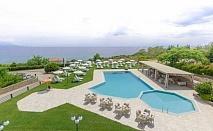 Насладете се на релаксираща и спокойна почивка с красиви гледки в хотел Ismaros - Гърция, за една нощувка със закуска, вечеря и безплатни чадъри и шезлонги на плажа и басейна / 28.04.2018 - 31.05.2018