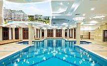 Нощувка на човек със закуска, обяд* и вечеря + басейн и СПА в хотел Емералд Резорт Бийч и СПА*****, Равда!