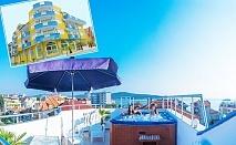 Нощувка на човек със закуска, обяд и вечеря + джакузи от семеен хотел Темида, на 50м. от плажа в Приморско