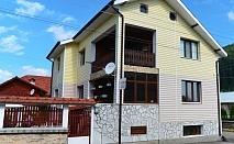 Нощувка за 15 човека край Самоков в къща за гости Съни Хаус с барбекю, собствена механа и озеленен двор - с. Маджаре