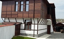 Нощувка за 7 + 2 човека край Сандански в къща за гости Гикинска с лятно барбекю, просторен двор и други удобства - с. Джигурово