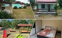 Нощувка в двойна, тройна стая или апартамент за до шестима в комплекс Каса Миа, Приморско