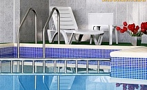 Нощувка със закуска и вечеря, ползване на СПА и басейн с МИНЕРАЛНА ВОДА от Хотел Албена, Хисаря