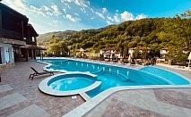 1 или 2 нощувки на човек със закуски и вечери + външен минерален басейн и релакс зона в обновения хотел Алфарезорт Палас, Чифлика