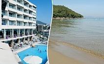 На ПЪРВА линия в Кушадасъ, Турция! 5 нощувки на човек със закуски и вечери + басейн в хотел Айма Бийч Ризорт****