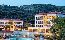 HB = AI -Плащате засука и вечеря, а ползвате Ол Инклузив в Theoxenia Hotel на Урануполи - Касандра, 4 броя външни басейни, шезлонги и чадъри на плажа-безплатни / 09.09.2019 - 20.09.2019
