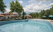Почивка в Карлово! 2 нощувки със закуски и обеди + 2 масажа, релакс зона и ползване на басейн и СПА от комплекс Яев
