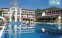 Почивка в СПА хотел Орфей 5* в Девин! Нощувка със закуска и вечеря, ползване на вътрешен минерален басейн, джакузи, сауна, парна баня и фитнес, безплатно за деца до 2.99 г.
