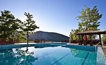 Външен и вътрешен басейн, нощувка, закуска, вечеря + СПА зона в Планински Изглед****, Родопите само за 45 лв. до края на Юни