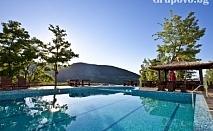 Юни в Родопите. Нощувка, закуска и вечеря + външен басейн и СПА в Планински Изглед****