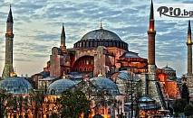 5-звездна Нова година в Истанбул! 3 нощувки, закуски и 2 вечери в хотел Holiday Inn Airport 5* + автобусен транспорт и круиз по Босфора с Новогодишна вечеря, от Ривиера Тур