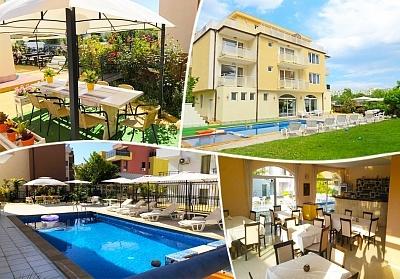 Лято в Равда на 100м. от плажа! Нощувка със закуска, обяд* и вечеря + басейн в хотел Сага