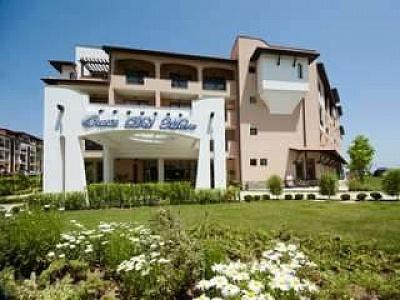 Лято 2019 в ТОП хотел на плаж Оазис, Ultra All Inclusive на Първа линия с включен плаж след 13.08 в Хотел Оазис дел Маре