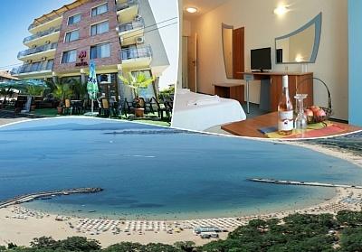 Море 2020! Нощувка на човек със закуска и вечеря + басейн в семеен хотел М2, Приморско