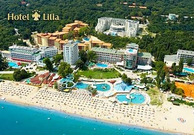 Нощувка на човек със закуска и вечеря в хотел Лилия****, Златни пясъци!