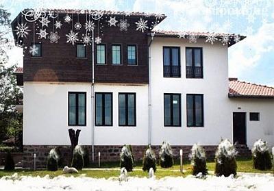 Нова Година до Вършец! 2 или 3 нощувки със закуски и вечери, едната Празнична с жива музика в Хотел Шато Слатина